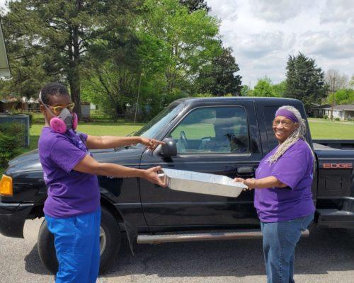 image for article of Tuscaloosa: Feeding 500